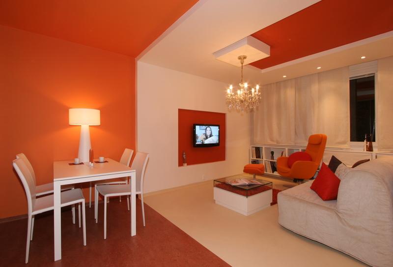 Фото оранжевый пол в интерьере